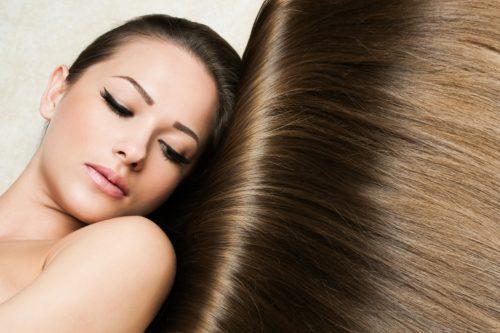 髪のキレイな女性の画像