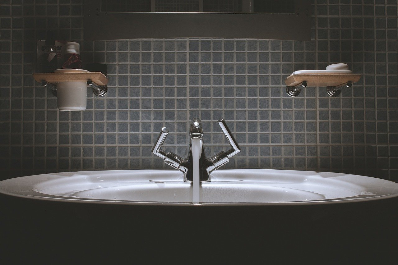 水道水、お手洗いの画像
