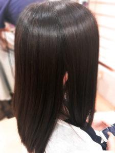 リンクスフォーヘア シルクレッチ しなやかなツヤ髪の女性